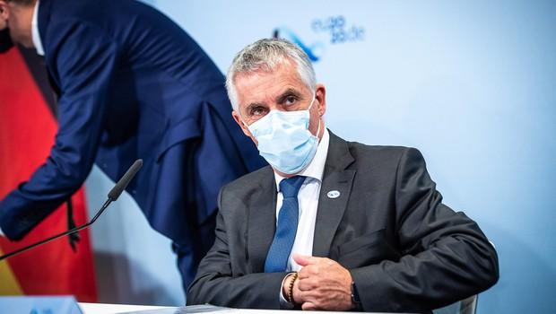 Minister Gantar začasno ukinil nenujne  in preventivne zdravstvene storitve (foto: profimedia)
