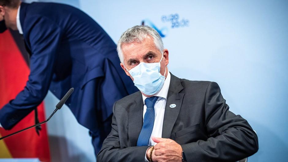 Minister Gantar napovedal dodatne postelje za bolnike in kader (foto: profimedia)