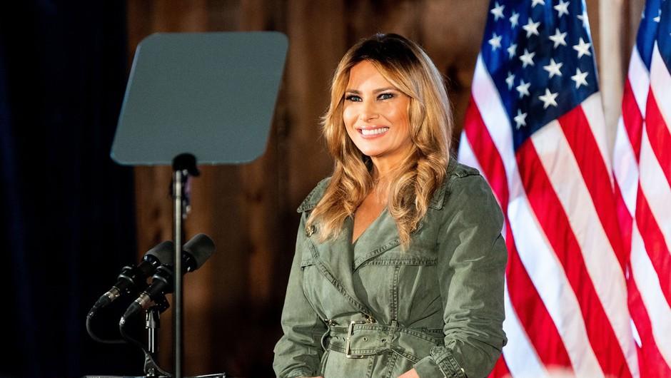 Eden in edini nastop Melanie pred volitvami, med katerim je obtožila Bidna, da ima socialistično agendo (foto: Profimedia)