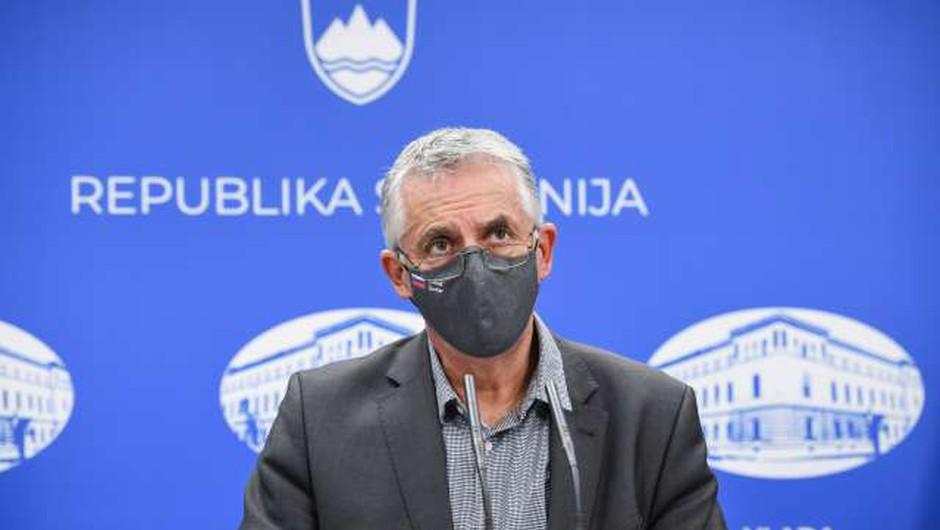 Cepivo proti gripi že skoraj razdeljeno, pri novi pošiljki prednost za rizične skupine (foto: Nebojša Tejić/STA)