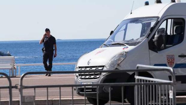 V Nici napad z nožem zahteval smrtne žrtve, več ranjenih (foto: Xinhua/STA)