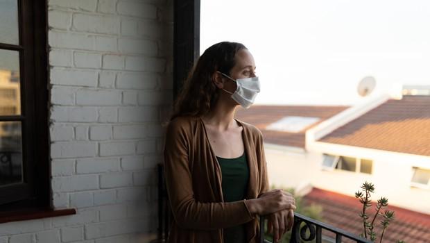 NIJZ objavil navodila za osebe s potrjeno okužbo in tiste, ki so bili okužbi izpostavljeni (foto: Profimedia)