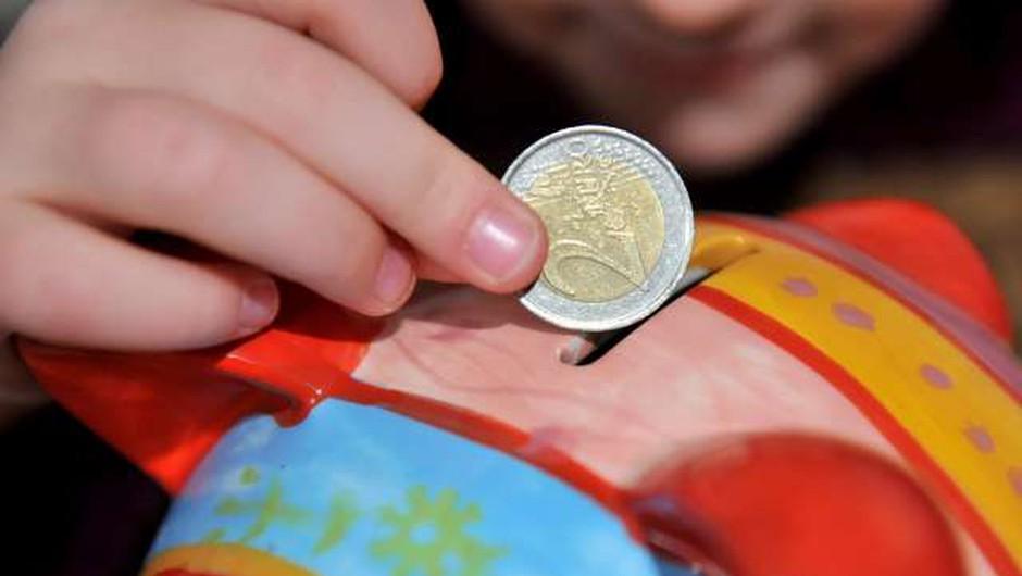 Slovenci ostajamo med bolj varčnimi v Evropi (foto: Tamino Petelinšek/STA)