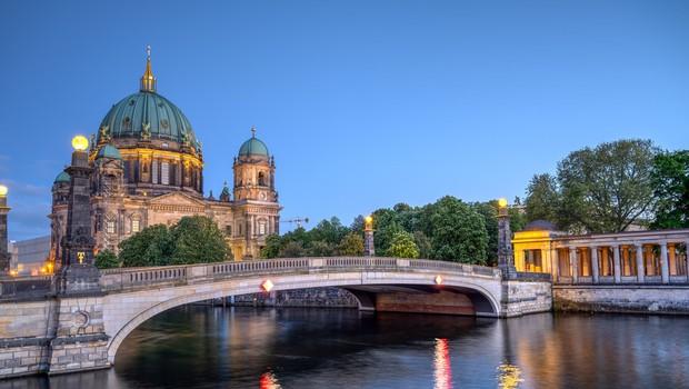 V Nemčiji z 18.681 primeri spet rekordno število okužb na dnevni ravni (foto: profimedia)