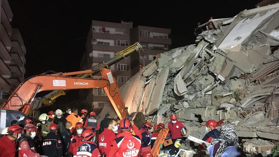 Po potresu v Egejskem morju narašča število žrtev (foto: profimedia)