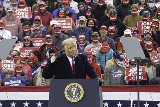 Zborovanja Donalda Trumpa kriva za 30.000 okuženih in 700 smrti