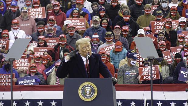Zborovanja Donalda Trumpa kriva za 30.000 okuženih in 700 smrti (foto: profimedia)
