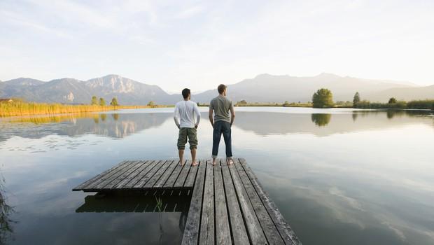 Pretresljiva zgodba zlatega maturanta in mlajšega brata, ki živita sama v trenutno zaprtem gostinskem objektu (foto: Shutterstock)