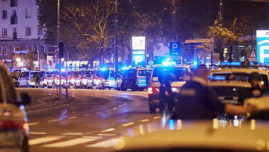 Napad na Dunaju zahteval štiri smrtne žrtve, napadalec je bil simpatizer Islamske države (foto: Xinhua/STA)