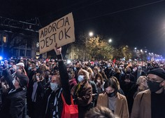 Poljska zamaknila uveljavitev nove zakonodaje o splavu