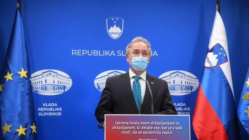 Hojs: Omejitve zbiranja in gibanja se podaljšujejo (foto: Nebojša Tejić/STA)