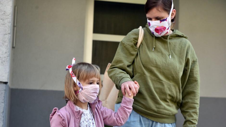 Število bolnikov s covidom v bolnišnicah se povečuje, vlada podaljšala večino ukrepov (foto: Shutterstock)