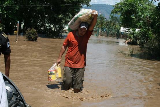 Orkan Eta pustoši po državah Srednje Amerike, število žrtev se bliža 200