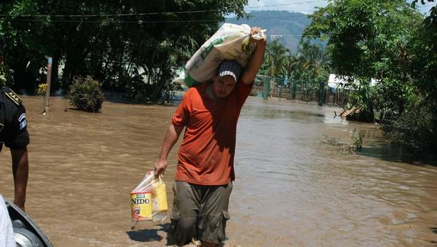 Orkan Eta pustoši po državah Srednje Amerike, število žrtev se bliža 200 (foto: profimedia)
