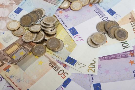 Predstavniki politike in stroke predstavili poglede na univerzalni temeljni dohodek