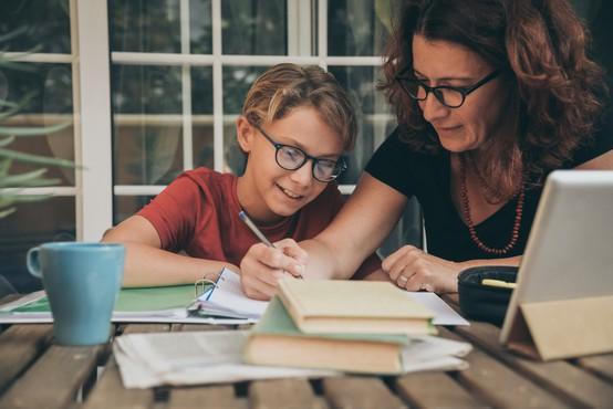 Po podaljšanih počitnicah osnovnošolci pouk nadaljujejo na daljavo