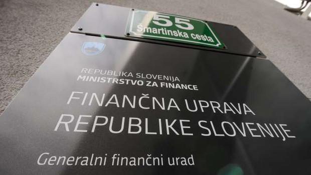 Nakazanih novih 27 milijonov evrov mesečnega temeljnega dohodka (foto: Nebojša Tejić/STA)