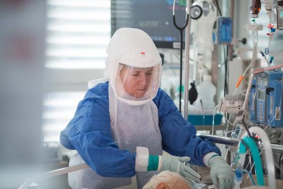 V nekaterih bolnišnicah se zaradi pomanjkanja ventilatorjev odločajo za lastne nakupe