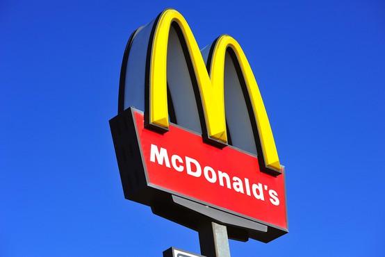McDonalds predstavil svoj največji burger doslej