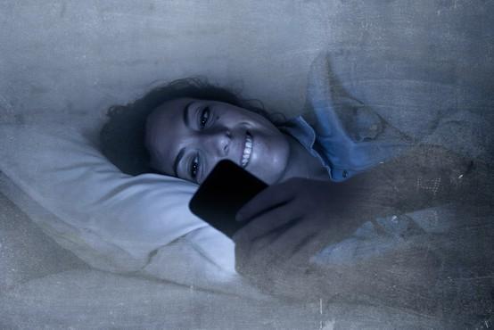 V času epidemije nevarnost za povečanje digitalne zasvojenosti
