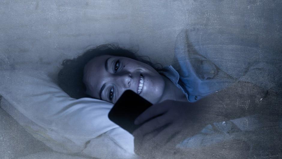 V času epidemije nevarnost za povečanje digitalne zasvojenosti (foto: Shutterstock)