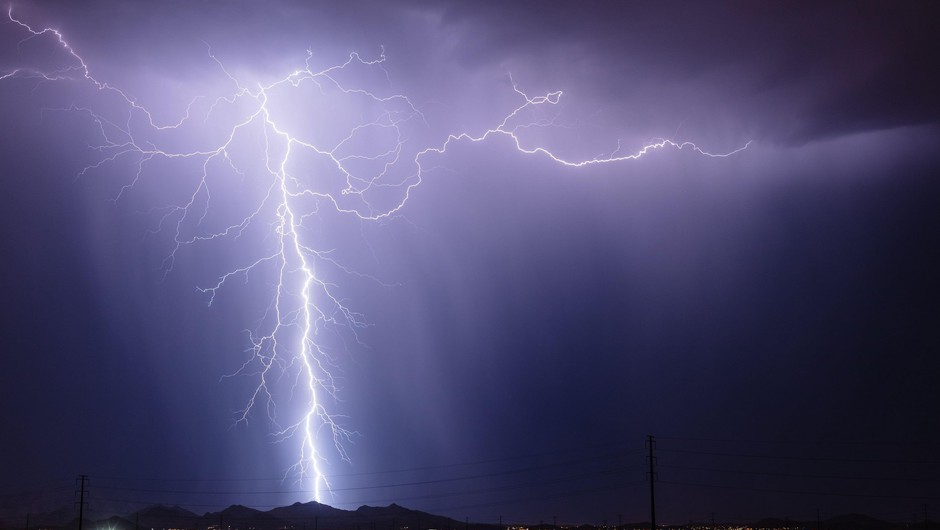 Z ročnimi laserji bi lahko preusmerjali strele in preprečevali požare (foto: Profimedia)
