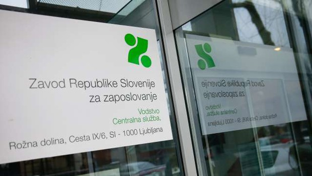 Zavod za zaposlovanje za interventne ukrepe namenil več kot 310 milijonov evrov (foto: Anže Malovrh/STA)