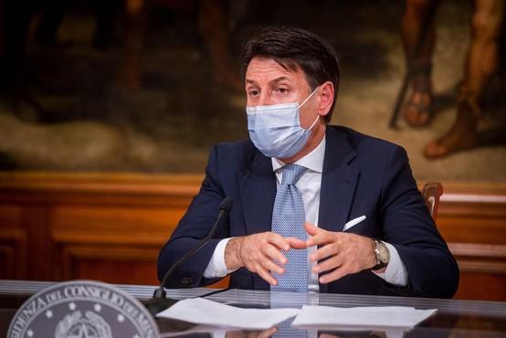 Giuseppe Conte malčkom obljubil, da jih bo Božiček obiskal kljub epidemiji