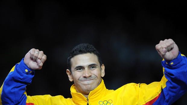 Zlato olimpijec za preživetje in trening s kolesom dostavlja hrano na dom (foto: profimedia)