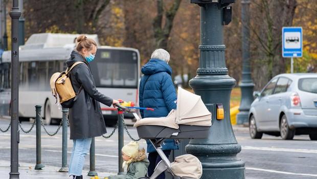 Hrvati v soboto zabeležili 2365 primerov okužbe in 43 smrti (foto: profimedia)