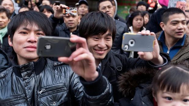 Najstnik, ki je prodal ledvico za novi iPhone, bo za vedno prikovan na posteljo (foto: profimedia)
