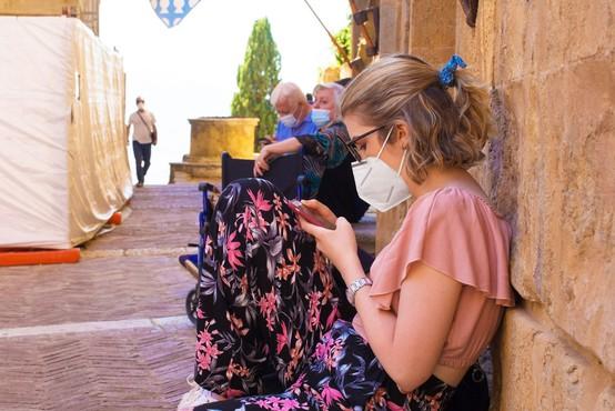 Koronavirus po Italiji krožil že septembra ali avgusta lani