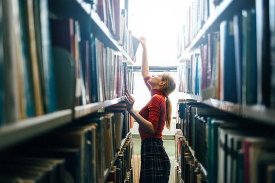Knjižnice delujejo v omejenem obsegu, prepoved ponujanja kulturnih in kinematografskih storitev