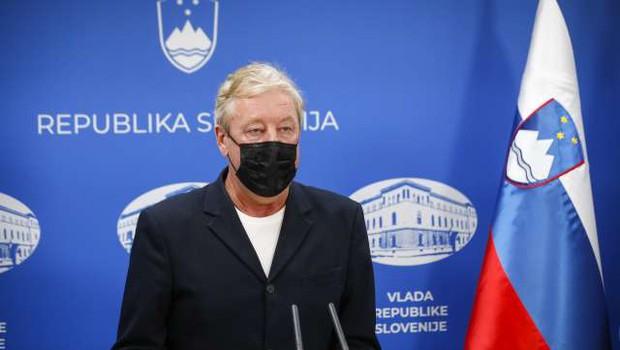 """""""Tudi ko smo uvajali elektriko, so bili ugovori: nevidna snov, ubije te lahko!"""" (foto: Anže Malovrh/STA)"""