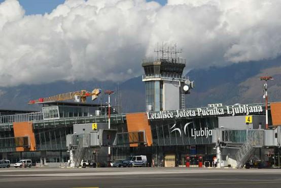 Na ljubljanskem letališču je začela delovati točka za testiranje na covid-19