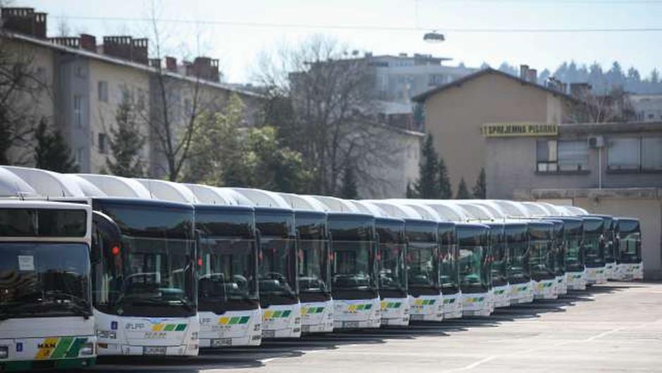 Nezmožnost prihoda na delo zaradi ukinitve javnega prevoza opredeljena kot višja sila (foto: Anže Malovrh/STA)