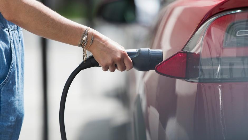 """V kanadski provinci Quebec so se odločili: """"Po letu 2035 bodo v prodaji le še električni avtomobili!"""" (foto: profimedia)"""