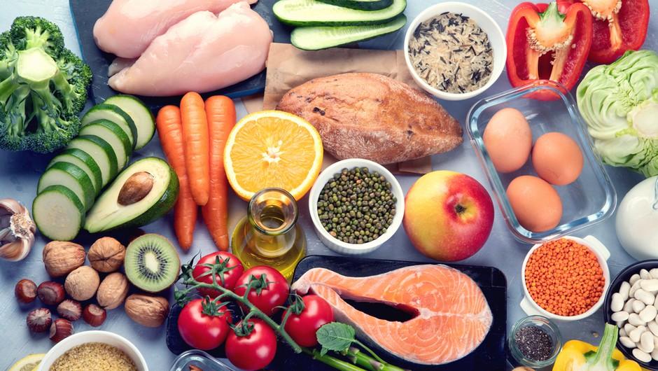 Slovenski farmacevti izdali knjigo, v kateri so popisani vsi vitamini in minerali in njihovo delovanje na človeka (foto: Shutterstock)