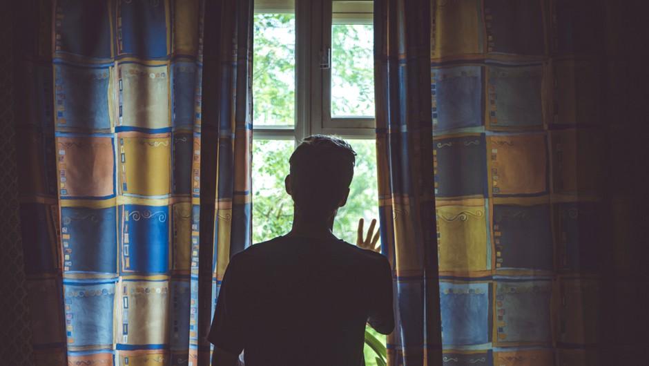 Na pohodu je tudi epidemija tesnobe, ki terja ukrepanje. Kaj lahko sami naredimo za duševno zdravje? (foto: Shutterstock)
