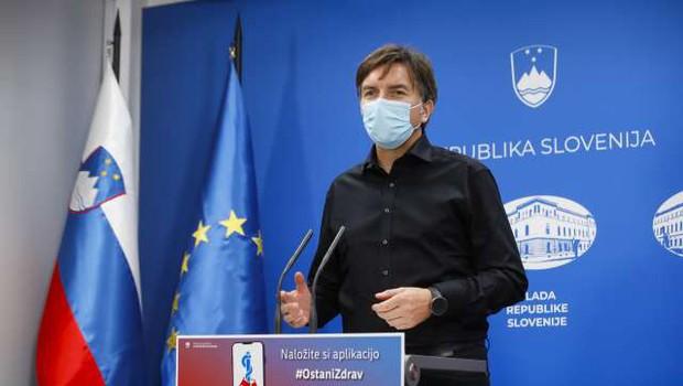 Rozman: Žalosti me, da imamo v Sloveniji najvišjo smrtnost v zadnjih sedmih dneh (foto: Anže Malovrh/STA)