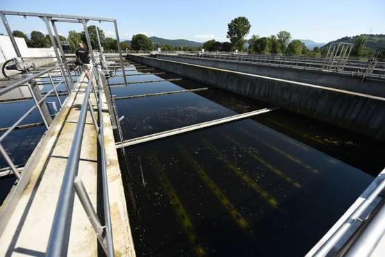 Prisotnost koronavirusa spremljajo v odpadni vodi na več čistilnih napravah