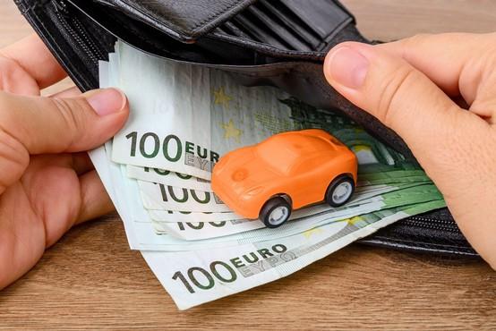 Vlada potrdila predlog za nižjo obdavčitev avtomobilov