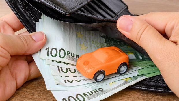 Vlada potrdila predlog za nižjo obdavčitev avtomobilov (foto: Profimedia)