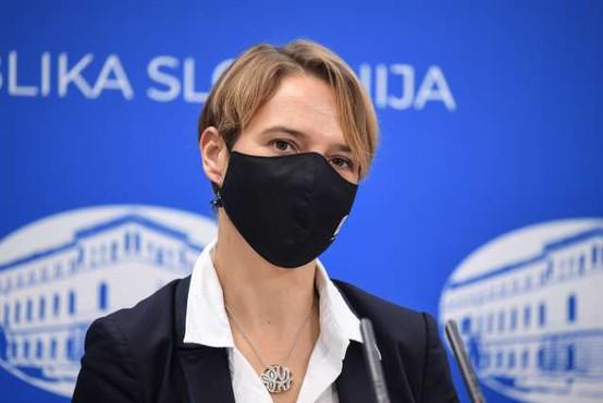 Minister Tomaž Gantar vladi predlagal razrešitev Tine Bregant