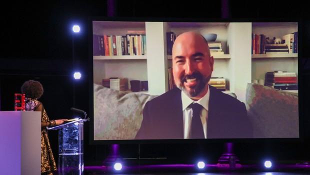 Letošnja nagrada booker in 54 tisoč evrov Škotu Douglasu Stuartu (foto: profimedia)