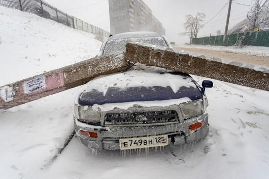 Ledeni dež v Vladivostoku: 150.000 ljudi brez vode in elektrike