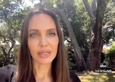 Angelina Jolie bo spet sedla na režiserski stol in se lotila življenja fotografa Dona McCullina
