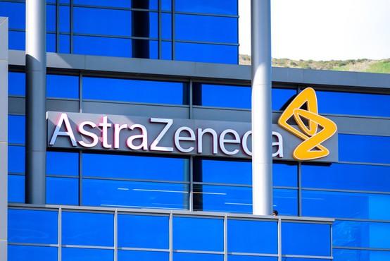 Cepivo AstraZenece, ki je cenejše in ga bo moč skladiščiti tudi pri 8 stopinjah, je v povprečju 70-odstotno učinkovito