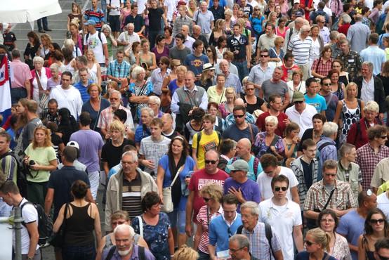 Univerzalni temeljni dohodek podpira skoraj polovica Slovencev