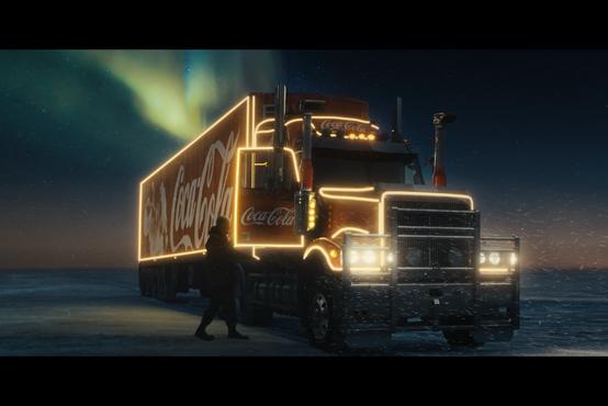 Coca-Cola v božičnem času obeležuje 100 let čarobnosti